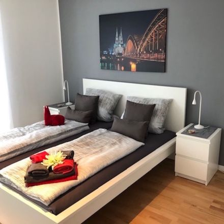 Rent this 3 bed apartment on Cologne in Bocklemünd/Mengenich, NW