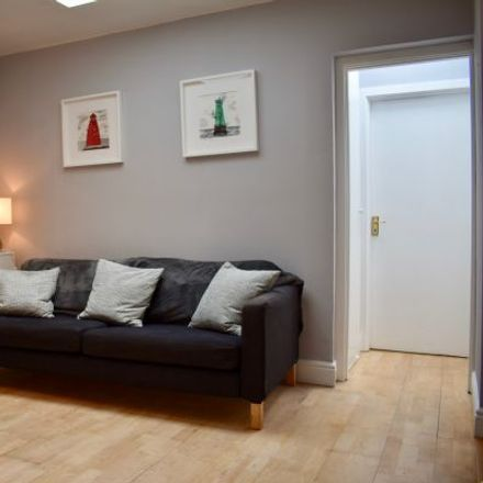 Rent this 3 bed apartment on 10 Erne Terrace (Rear) in Mansion House A ED, Dublin