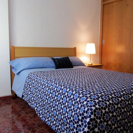 Rent this 2 bed room on Calle de Valencia in 46910 Sedaví, Spain