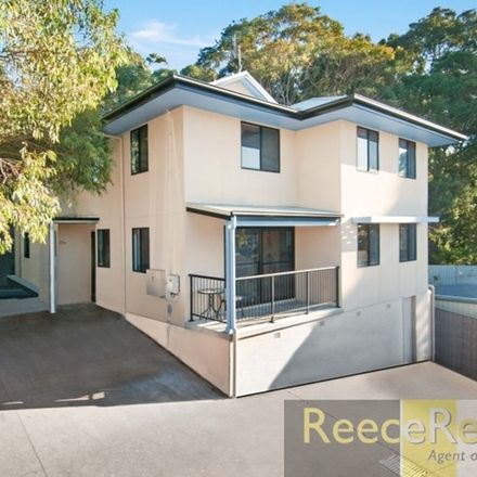 Rent this 12 bed house on 25A Stannett Street