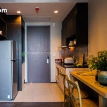 Rent this 1 bed apartment on Baan Khanitha in 36/1, Sukhumvit Soi 23