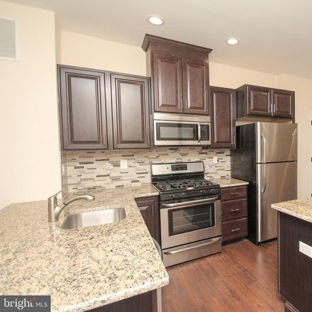 Rent this 5 bed townhouse on North 19th Street in Philadelphia, PA 19103