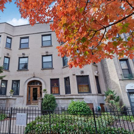 Rent this 3 bed condo on 3808 North Pine Grove Avenue in Chicago, IL 60613