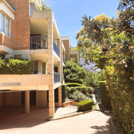 Rent this 2 bed apartment on 11/28 Northcote Street