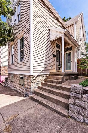 Rent this 2 bed house on 117 Taylor Avenue in Bellevue, KY 41073