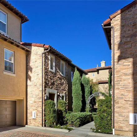 Rent this 3 bed condo on Roadrunner Ln in Aliso Viejo, CA
