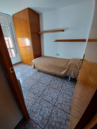 Rent this 1 bed room on Rotonda Av. 3 - N-152 in 08120 Santa Perpètua de Mogoda, Spain