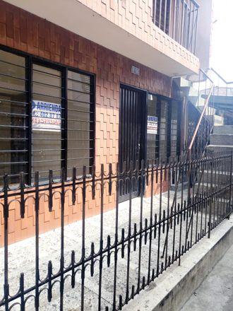 Rent this 3 bed apartment on Calle 70C in Comuna 6, Perímetro Urbano Santiago de Cali