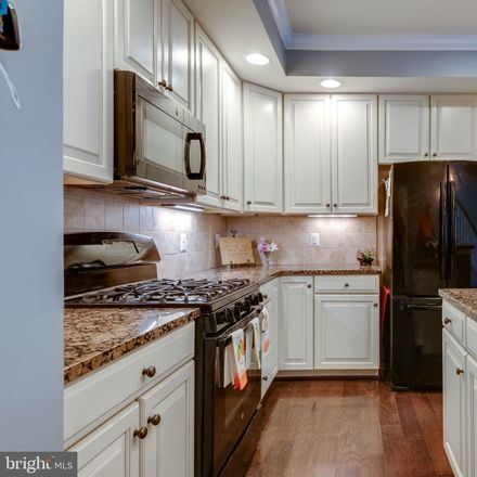 Rent this 3 bed townhouse on 14690 Links Pond Circle in Gainesville, VA 20155