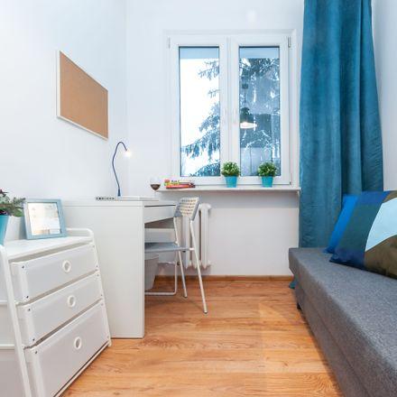 Rent this 5 bed room on Związku Walki Młodych 16 in 02-786 Warsaw, Poland