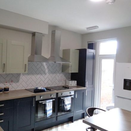 Rent this 5 bed room on Oswin Avenue in Doncaster DN4 0PA, United Kingdom