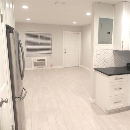 Rent this 2 bed duplex on W Randall St in Tampa, FL