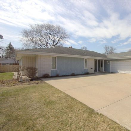 Rent this 3 bed house on 631 Stambaugh Road in Allouez, WI 54301