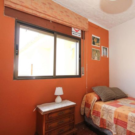 Rent this 3 bed room on Calle Acera de San Ildefonso
