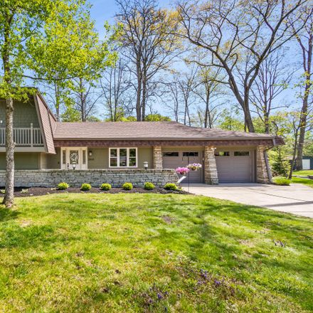 Rent this 3 bed house on 2844 Wildwood Road in Minerva Park, OH 43231