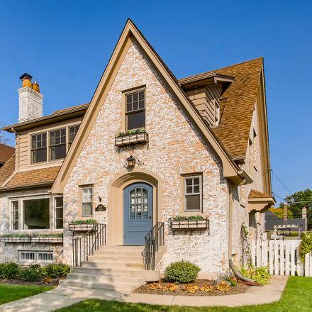 Rent this 3 bed house on 1116 Fair Oaks Avenue in Oak Park, IL 60302