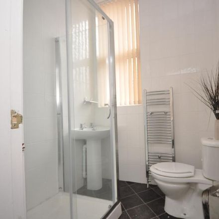 Rent this 5 bed room on Tonys Cuts in 78 Brudenell Road, Leeds LS6 1EG