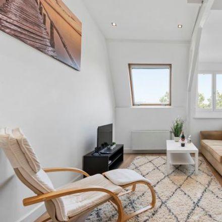 Rent this 3 bed apartment on Stadhouderskade 118-1 in 1073 AZ Amsterdam, Netherlands