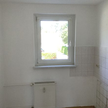 Rent this 2 bed apartment on Görnitzer Straße 7 in 04552 Borna, Germany