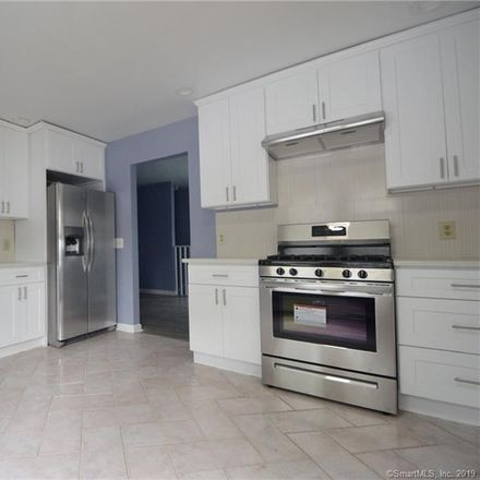 Rent this 4 bed townhouse on 21 Elizabeth Street in Tunxis Hill, CT 06825