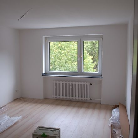 Rent this 2 bed apartment on Markgrafenstraße 66 in 47166 Duisburg, Germany
