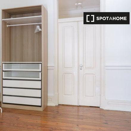 Rent this 6 bed apartment on Minipreço in Avenida Duque de Loulé 77, 1050-088 Lisbon