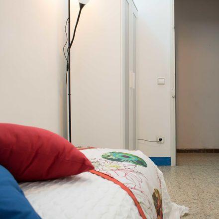 Rent this 5 bed room on Passatge de Carsi in 285, 8025 Barcelona