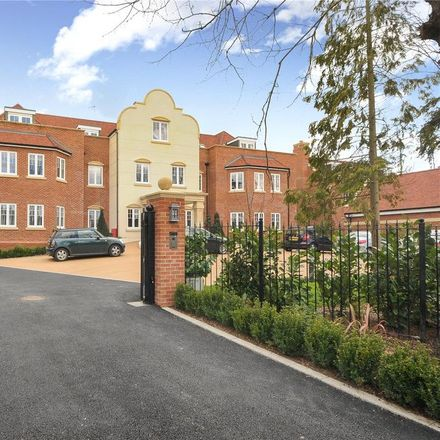 Rent this 4 bed apartment on Lady Margaret Road in Sunningdale SL5 9QH, United Kingdom