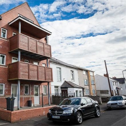 Rent this 2 bed apartment on Victoria Court in Conybeare Road, Cardiff