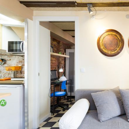 Rent this 2 bed apartment on Área 59 in Calle de Santa Lucía, 11