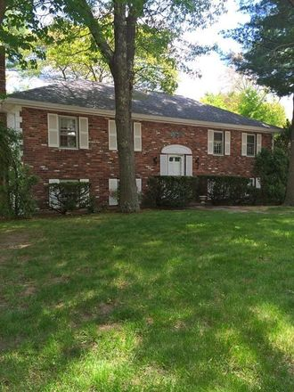 Rent this 3 bed apartment on 2 Brewster Road in Hingham, MA 02043-2523