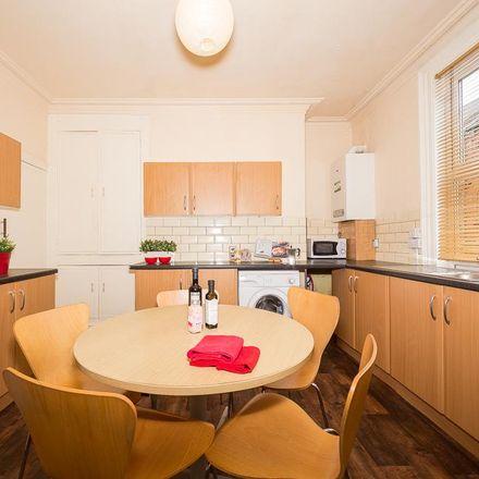 Rent this 5 bed house on Back Hessle Mount in Leeds LS6 1ER, United Kingdom