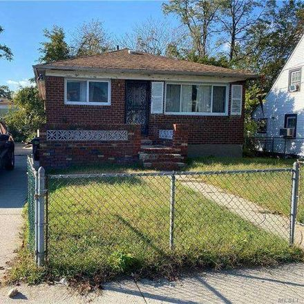Rent this 3 bed house on 135-38 224th Street in New York, NY 11413