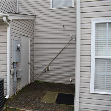 Rent this 3 bed townhouse on 9511 Brackenview Ct in Charlotte, NC