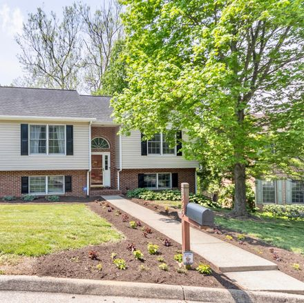 Rent this 3 bed house on Northview Dr SW in Roanoke, VA