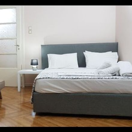 Rent this 1 bed room on Τήνου 18 in 112 57 Athens, Greece