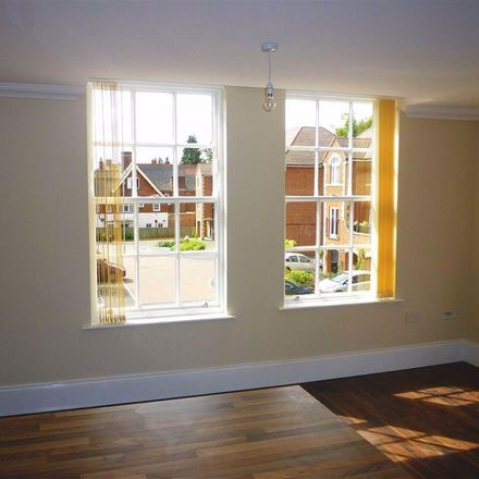 Rent this 2 bed apartment on Elms Road in Leicester LE2 3JA, United Kingdom