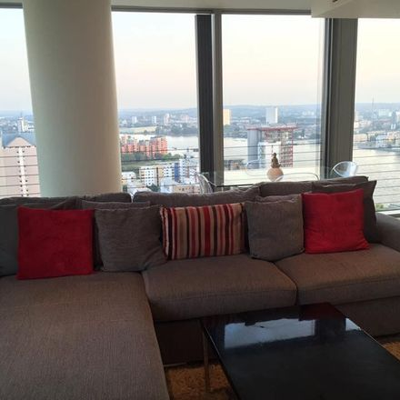 Rent this 2 bed apartment on Landmark West Tower in 22 Marsh Wall, London