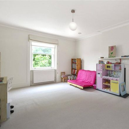 Rent this 6 bed house on 39 St. Augustine's Road in London NW1 9QZ, United Kingdom