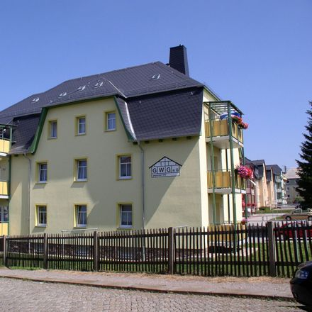 Rent this 2 bed apartment on Horst-Strohbach-Straße 8 in 09212 Limbach-Oberfrohna, Germany