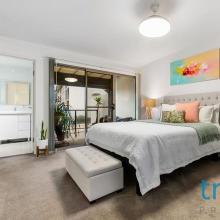 Rent this 4 bed townhouse on 11a Wilson Street