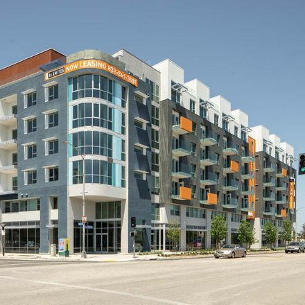 Rent this 2 bed apartment on Michael's Pizzeria in 210 The Promenade North, Long Beach
