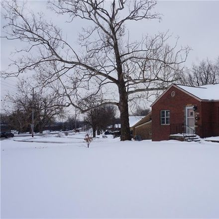 Rent this 5 bed house on Normandy Plaza in 1701 Grand Avenue, West Des Moines