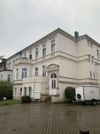 Rent this 5 bed apartment on Auguststraße 75 in 26121 Oldenburg, Germany