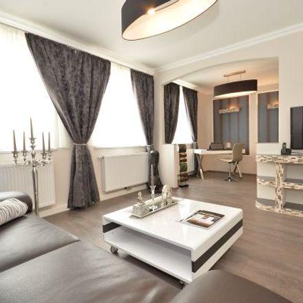 Rent this 3 bed apartment on Nietzschestraße 27 in 28201 Bremen, Germany