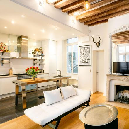Rent this 3 bed apartment on Amour de Pierres in 16 Rue de l'Ancienne Comédie, 75006 Paris
