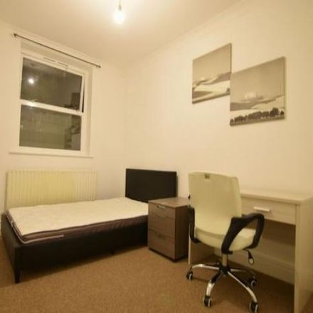 Rent this 2 bed apartment on St Peter's House Library in 16-18 Richmond Place, Brighton BN2 9NA