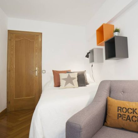 Rent this 11 bed room on Carrer de Wellington in 70, 08005 Barcelona