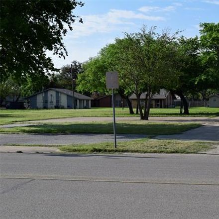 Rent this 0 bed house on 531 North Crockett Street in Granbury, TX 76048