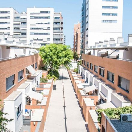 Rent this 2 bed apartment on Carrer d'Alfauir in 46020 Valencia, Spain